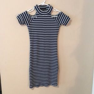 Derek❤️Heart Open Shoulder Stretchy Dress Sz M